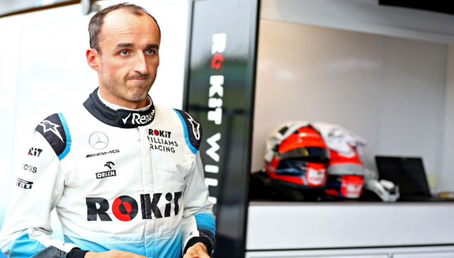 Créditos de imagen a:https://sport360.com/article/formula-one/lewis-hamilton/334974/robert-kubica-is-one-of-the-best-drivers-in-the-world-says-lewis-hamilton
